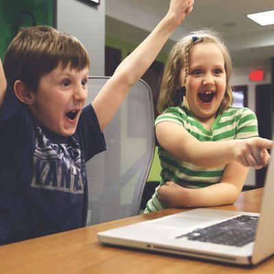 Welche Kompetenzen brauchen Kinder und Jugendliche in einer digitalisierten Welt?/ Im Gespräch mit Stefan Dufter